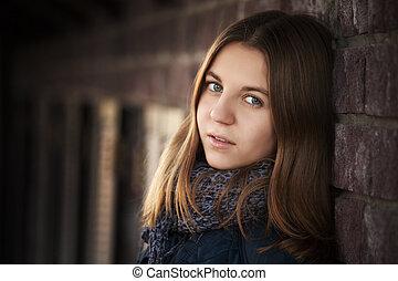 ściana, dziewczyna, teenage, cegła, przeciw