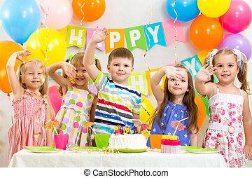 świętując, urodziny, święto, dzieci, szczęśliwy