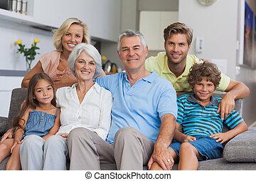 żyjący, przedstawianie, multi-generacja rodzina, pokój