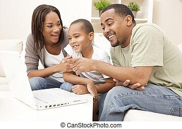 amerykanka, komputer, rodzina, afrykanin, używający laptop