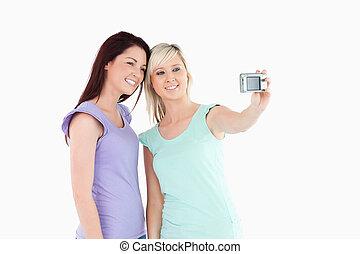 aparat fotograficzny, kobiety, radosny