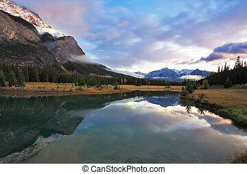błękitne góry, śnieg, jezioro, przeziębienie, kanada