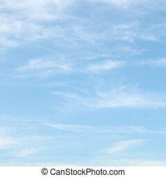 błękitne niebo, chmury, lekki