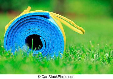 błękitny, pojęcie, yoga mata, do góry, fotografia, trawa, zielony, stosowność, zamknięcie