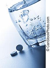 błękitny wytonowany, wodowskaz, pigułki, aspiryna
