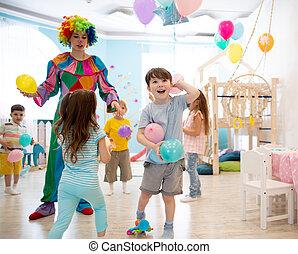 barwny, zabawia, dzieciaki, urodziny, dzieci, gra, ballons, klown, partia.