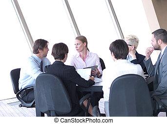 biuro, handlowy zaludniają, jasny, grupa, spotkanie, nowoczesny