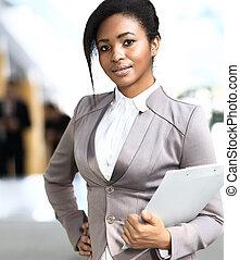 biuro, kobieta interesu, nowoczesny, młody, afrykanin, uśmiechanie się