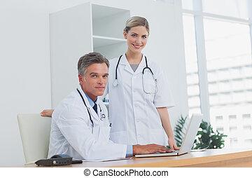 biurowy zaprzęg, medyczny