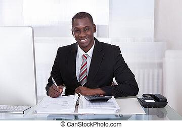 biznesmen, finanse, liczenie