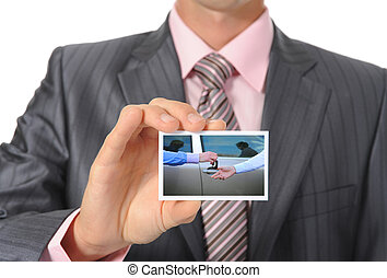 biznesmen, wręczając, karta