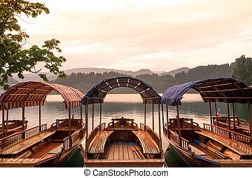 bled, zachód słońca, jezioro