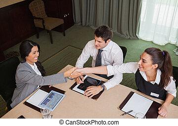 businesswomen, porozumienie, osiąganie