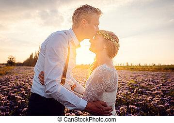 całowanie, panna młoda, jego, wieś, ślub, romantyk, pan młody, podczas