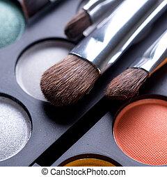 charakteryzacja, cienie, makijaż, oko, szczotki