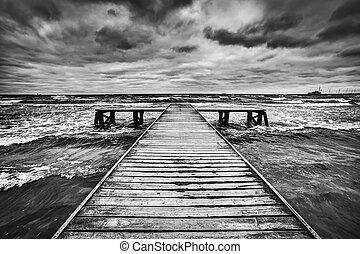 ciężki, chmury, drewniany, niebo, molo, dramatyczny, sea., burza, podczas, stary, ciemny
