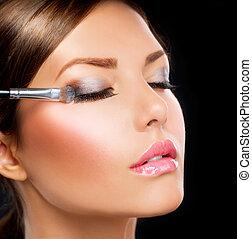 cień, applying., oko, szczotka, charakteryzacja