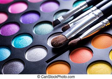 cienie, szczotki, makijaż, przypatrywać się charakteryzacja