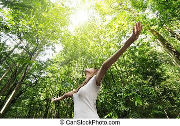 cieszący się, natura