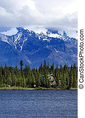dom, jezioro