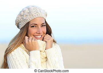 doskonały, kobieta, zima, zęby, uśmiech, biały