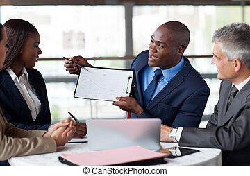 drużyna, młody, amerykanka, figury, przedstawiając, afrykanin, biznesmen, spotkanie, przystojny