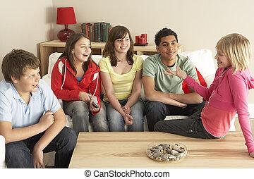 dzieci, grupa, dom, gaworząc