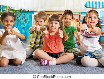 dzieci, mały, piątka, do góry, kciuki