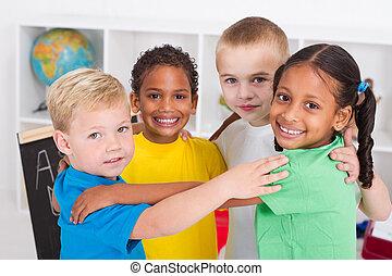 dzieciaki, preschool, tulenie, szczęśliwy