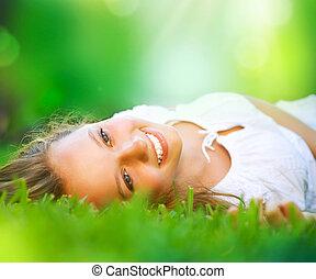 dziewczyna, field., szczęście, leżący, wiosna