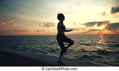 exersises, biegacz, atleta, wybrzeże