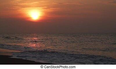 fale przybrzeżne, słońce, wcześnie, pętla, rano