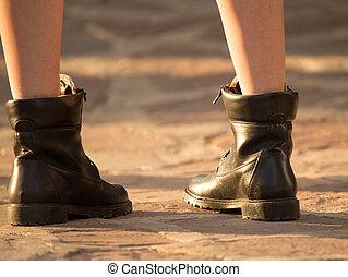 feet, dziewczyna, obuwie, droga