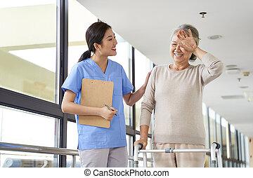 fizyczny, złamanie, kobieta, stary, wpływy, podczas, sesja, terapia, asian