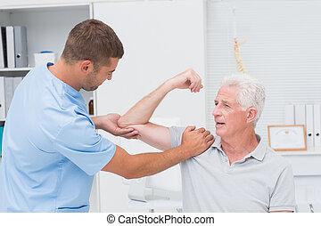 fizykoterapeuta, masaż, udzielanie