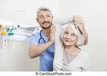 fizykoterapeuta, pacjent, ręka, porcja, senior, ruch