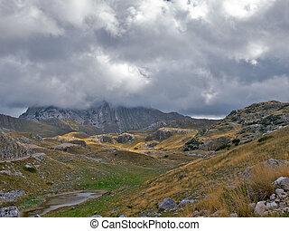 góra, nimbus, clouds., niski, ukryty, daszek
