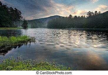 góra, soczysty, jezioro, wschód słońca, las