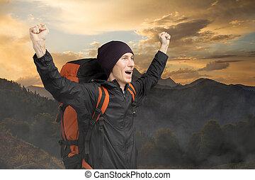 góra, szczęśliwy, turysta, tło, sunset.