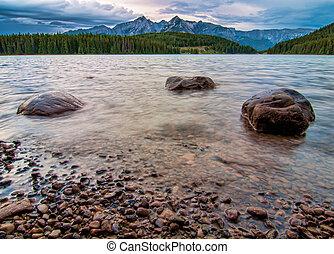 góra, trzęsie się, jezioro, szpice, trzy