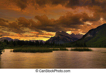 góra, zachód słońca, skalisty