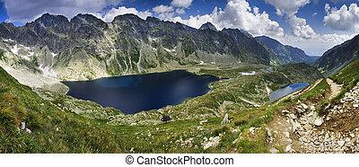 górskie jezioro, odbicie