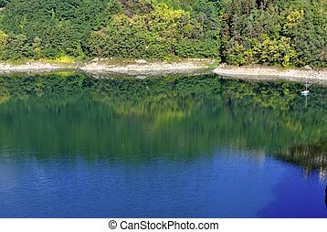 górskie jezioro