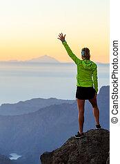 góry, kobieta, zachód słońca, powodzenie, hiking