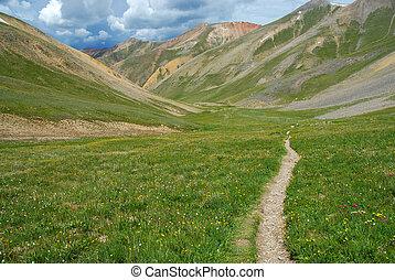 góry, skalisty, hiking ślad