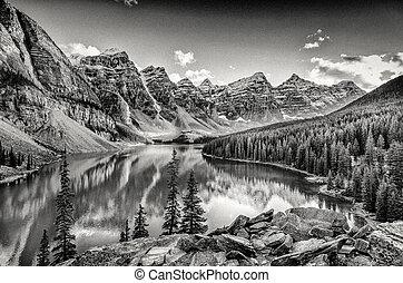 góry, skalisty, sceniczny, jezioro, morena, monochromia, filtrowany, prospekt