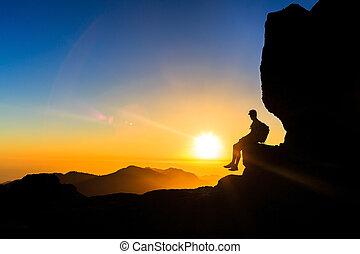 góry, sylwetka, hiking, wolność, zachód słońca, człowiek
