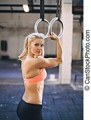 gimnastyk, atleta, dzwoni, wykonując, muskularny, samica