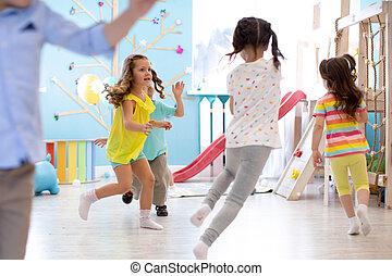 gra, dzieciaki, playroom., igrzyska, dzieci, run.