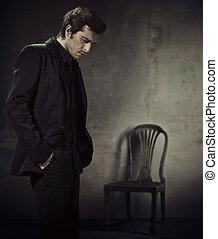 handlowy, ciemne tło, garnitur, przystojny, człowiek